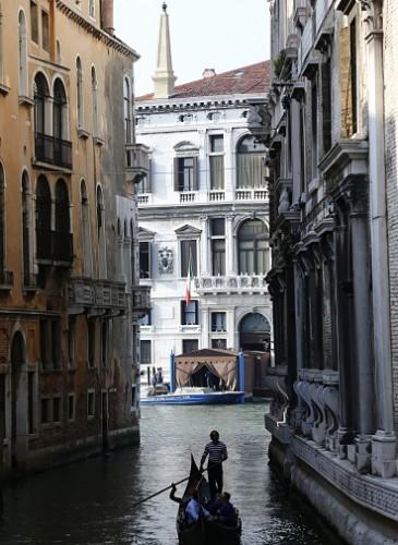 ITALY-US-BRITAIN-PEOPLE-WEDDING-CLOONEY
