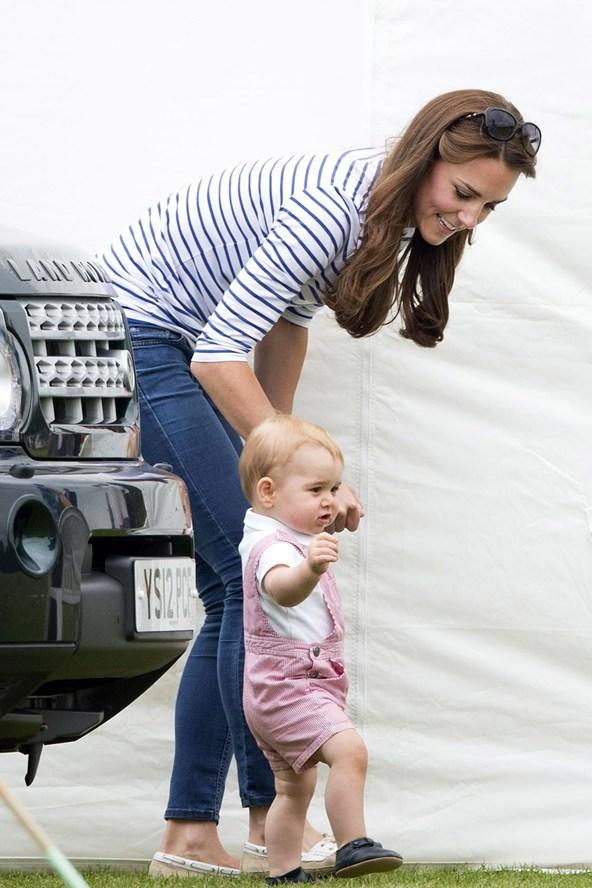 Catherine-Duchess-of-Cambridge-Prince-George-Vogue-16Jun14-Rex_b_592x888