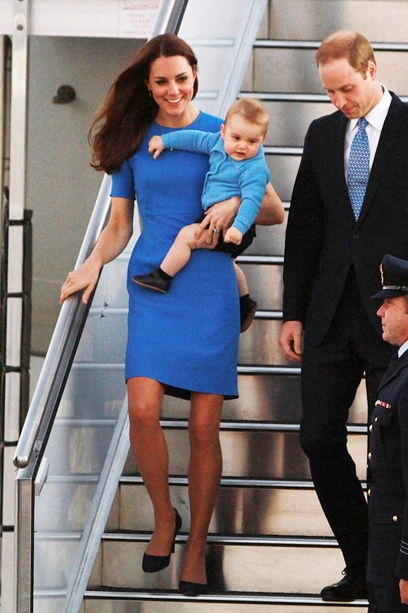 duchess-of-cambridge-10-vogue-22apr14-getty_b_592x888