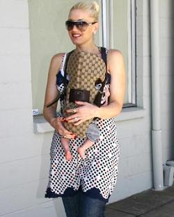 gwen-stefani-with-designer-gucci_baby_carrier