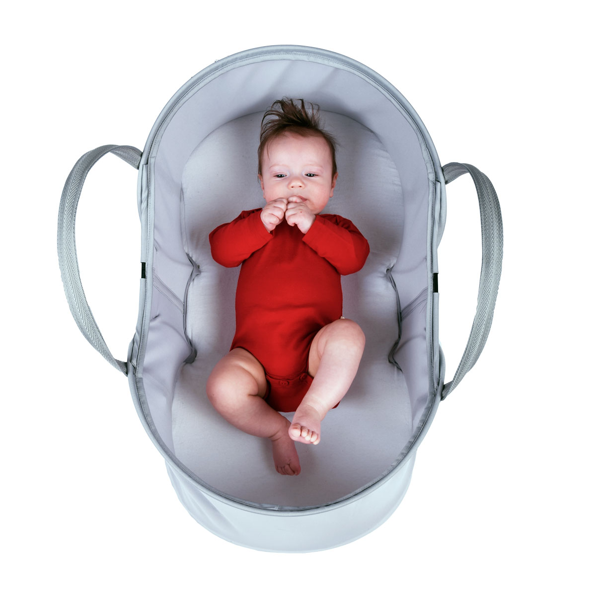phil-teds-super-lightweight-travel-bassinet-front-view-with-super-happy-baby-inside