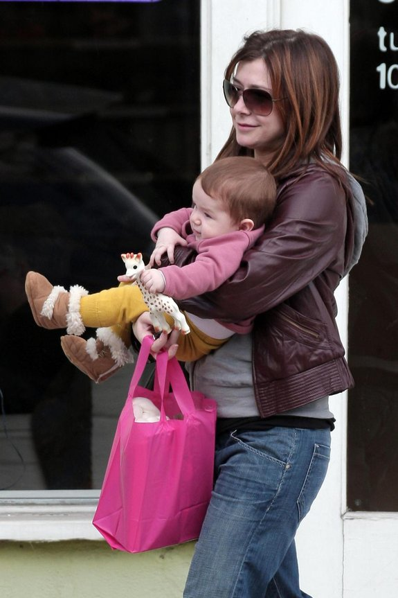 "**EXCLUSIVE** Alyson Hannigan, ""How I Met Your Mother"" star, takes her adorable daughter Satyana with her to a knitting store"