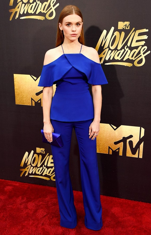 the-best-dressed-celebs-at-the-2016-mtv-movie-awards-1726447-1460260230.640x0c