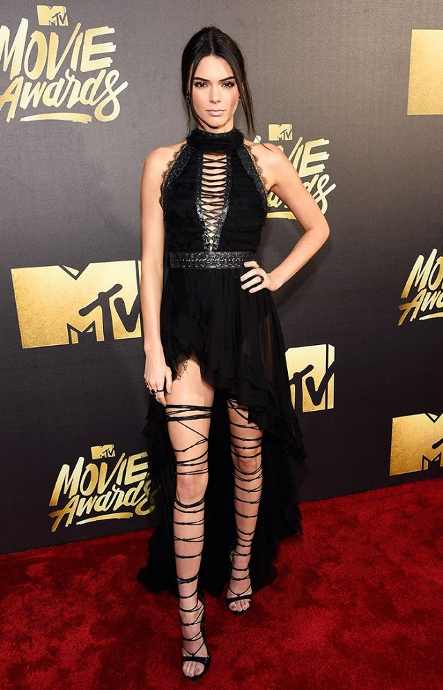 the-best-dressed-celebs-at-the-2016-mtv-movie-awards-1726448-1460260230.640x0c