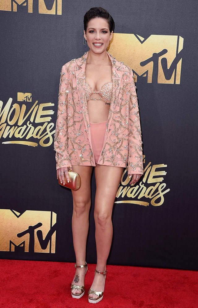 the-best-dressed-celebs-at-the-2016-mtv-movie-awards-1726507-1460306133.640x0c