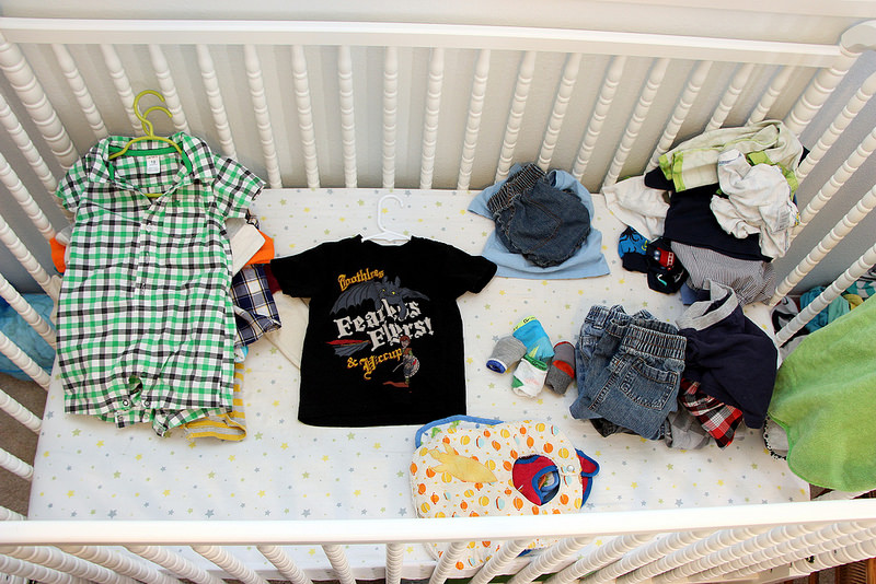 Choose clothes for your newborn
