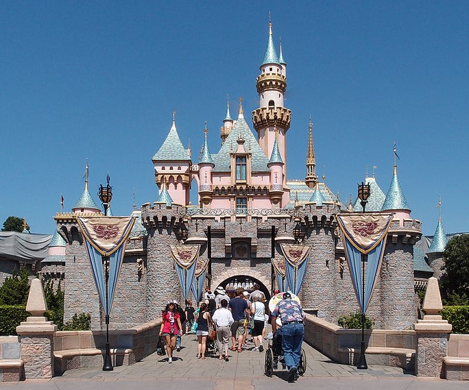 Disneyland – land for family