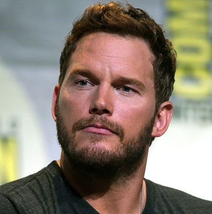 Chris Pratt Totally Geeks Out After Singing With Garth Brooks at iHeartRadio Music Awards