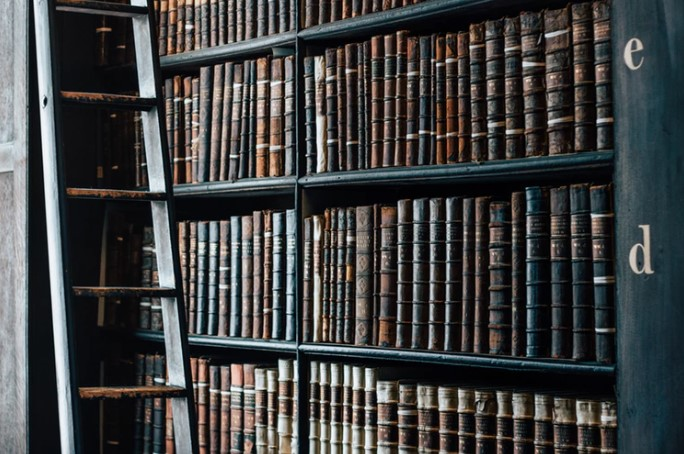 5 Life-Changing Books Recommended By Top CEOs