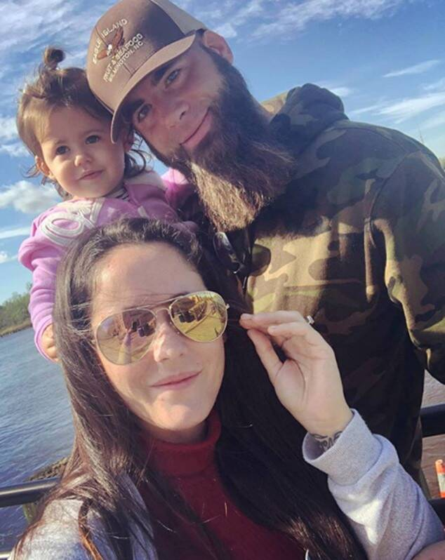 """Jenelle Evans' Teen Mom Co-Stars React to Ongoing Custody Battle """"Help Is Out There"""""""