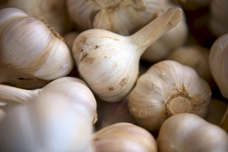 Put Garlic Under Your Pillow and This Will Happen to You