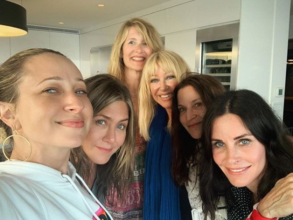 Friends Forever! Courteney Cox Celebrates Fourth of July with Star-Studded Selfie 'I'm Lucky'