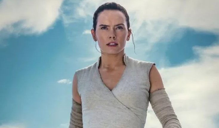 Star Wars 9 Rise of Skywalker: Images reveal Rey's new Jedi power – WHO is teaching her?