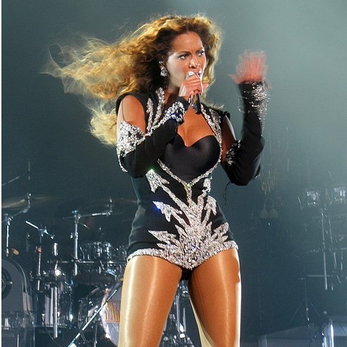 Beyoncé Blows Out Candles On Cake For Early 38th B'Day Celebration With Jay-Z At Music Festival