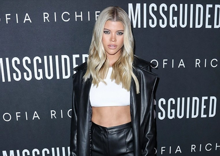 Sofia Richie Shows Off Abs In Crop Top &Leather Pants At Clothing Launch PartyWith Kylie Jenner