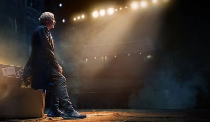Ian McKellen On Stage review: From Gandalf to Gladys, a GLORIOUS delight – Do not miss