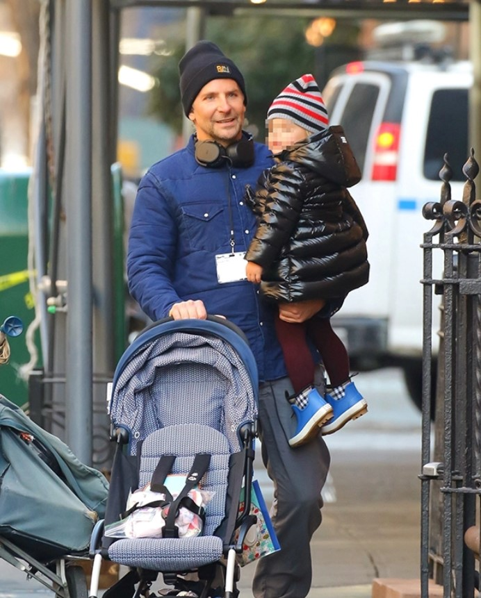 Bradley Cooper Carries Daughter, 2, In HisArms While The Bundle Up On Sweet NYCStroll