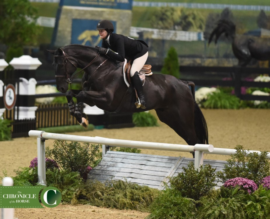 Stearns Digs Deep for ASPCA Maclay National Championship Win