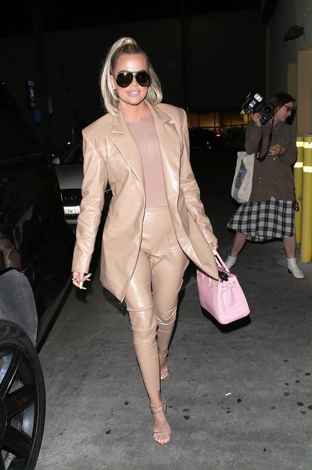 kourtney-khloe-kardashian-leather-outfits-backgrid-embed-2