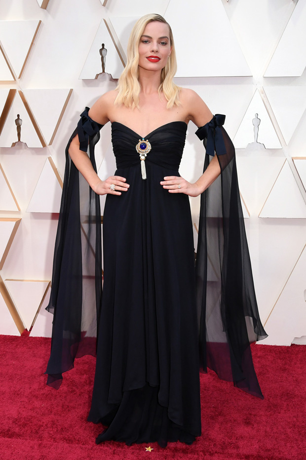 margot-robbie-best-dressed-oscars-rex-embed