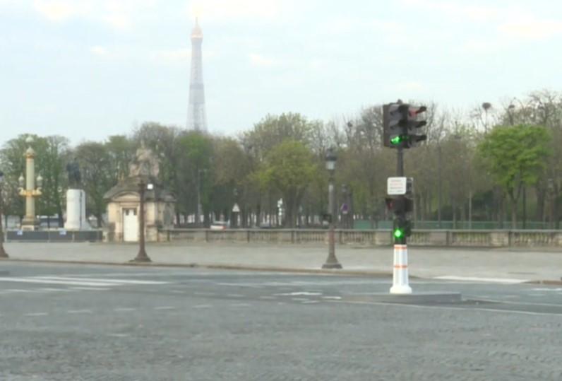 Coronavirus A walk through a deserted Paris
